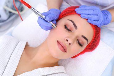 Trött på att raka, vaxa, plocka? Testa permanent hårborttagning!